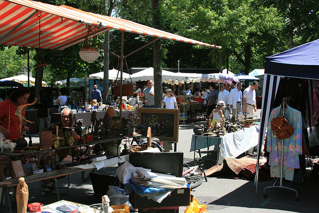 Flea Market - Image Credit: https://www.flickr.com/photos/89649959@N00/2685971211