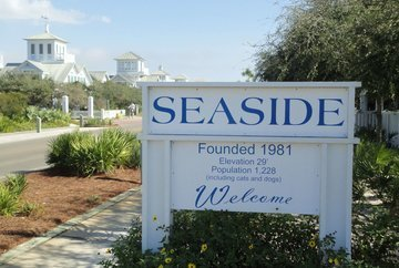 White Seaside sign, with Blue lettering.